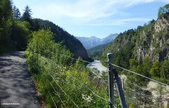 Imster Schlucht mit Blick auf die Lechtaler Alpen